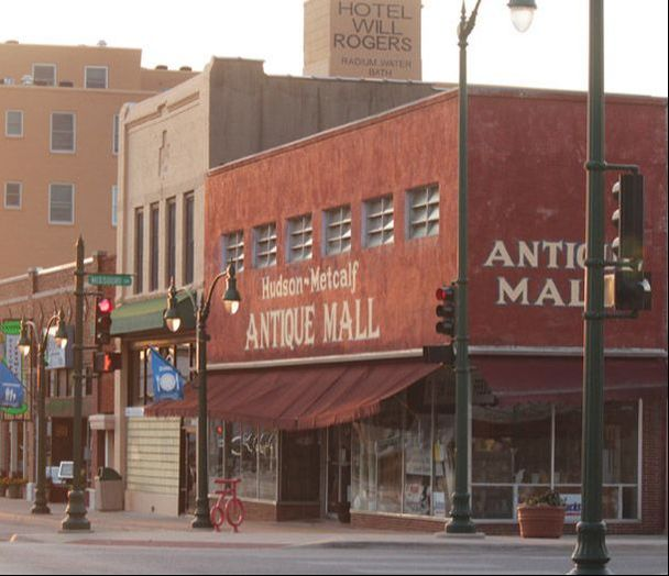 Hudson-Metcalf Antiques & Collectibles Mall